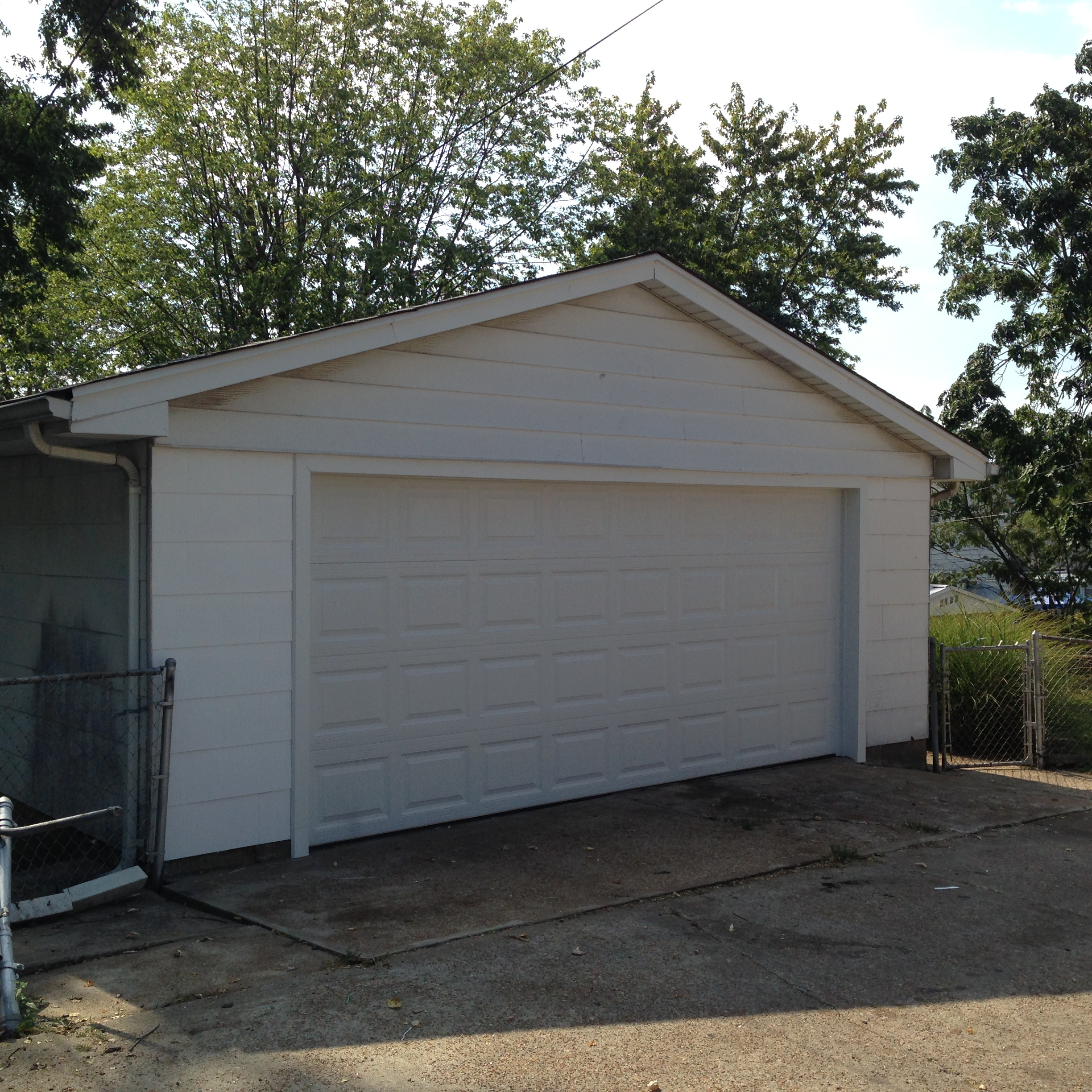 Garage door gallery cgx overhead door st louis mo for Cost to build a garage st louis