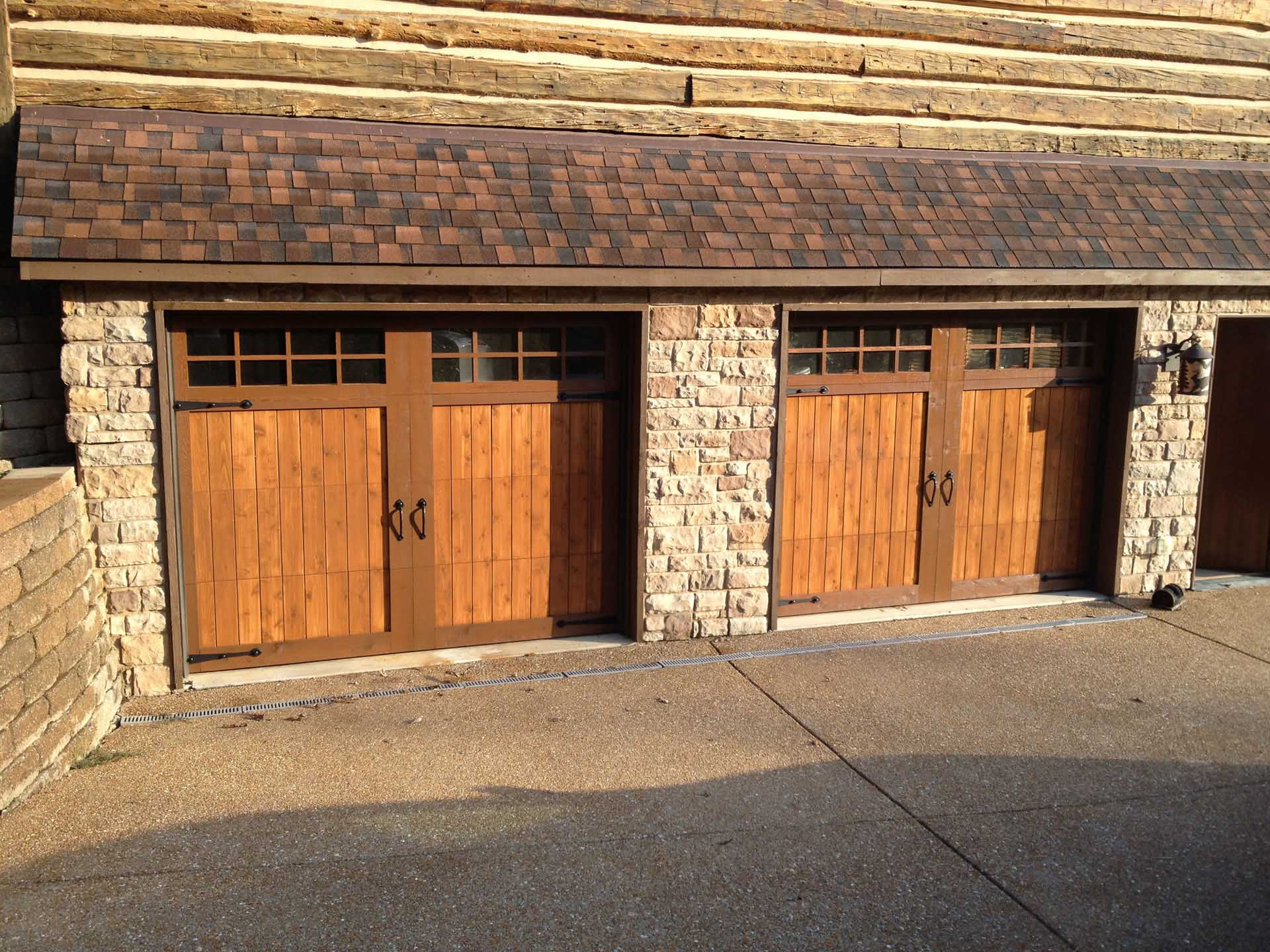Garage door services and maintenance st louis mo for Cost to build a garage st louis