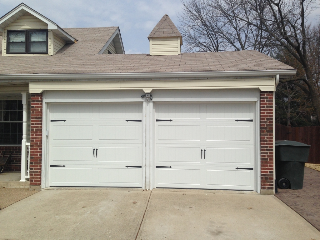 Garage doors and overhead doors in chesterfield cgx st for Cost to build a garage st louis