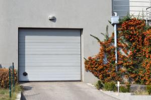 garage door servicing